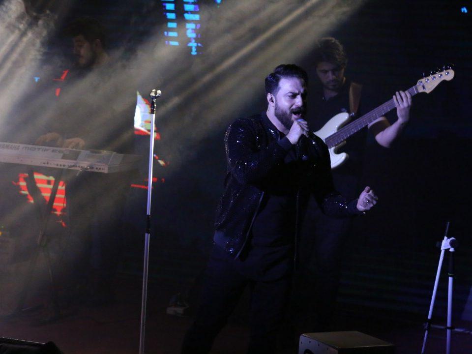 کنسرت بابک جهانبخش اکومال